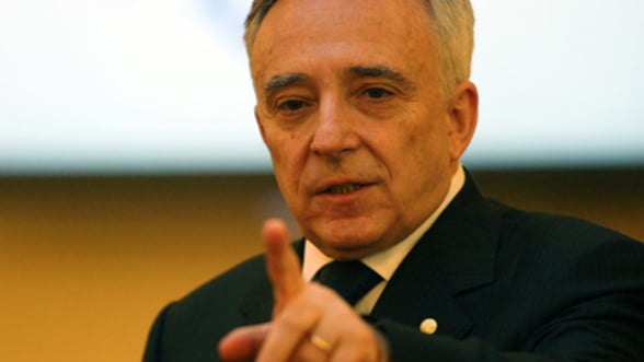 Isarescu: Politica monetara a avut o conduita anticiclica atat inainte, cat si dupa declansarea crizei