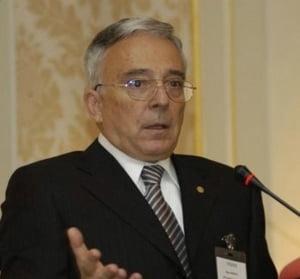 Isarescu: Principala responsabilitate a noului CA al BNR este adoptarea euro