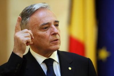 Mugur Isarescu, presedinte al CNSF pentru inca un an