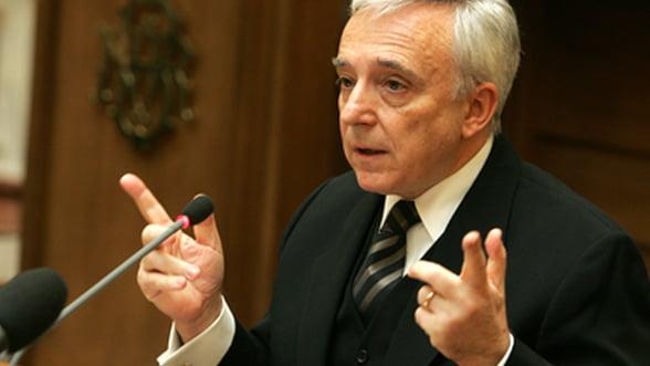 Isarescu: Romania mai are multe de facut in ceea ce priveste cultura economica