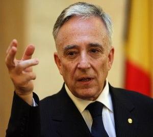 Isarescu avertizeaza ca Romania ar putea pierde creditarea externa