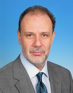 Isarescu si Cristian Popa, singurii cu aviz favorabil in unanimitate de la Comisiile reunite
