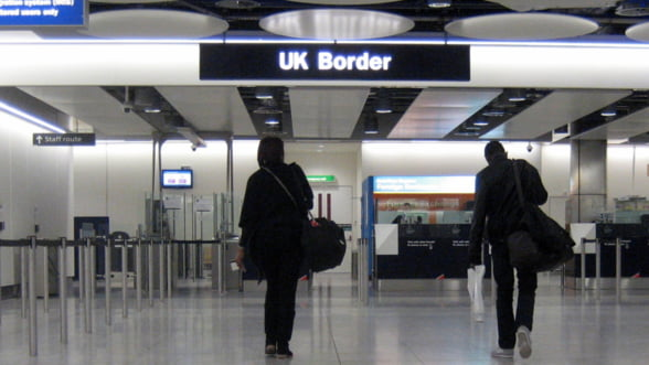 Isi permite Europa sa revina la controalele la frontiere?