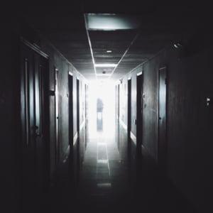 Isopan Est doneaza materialele necesare ridicarii spitalului modular de la Elias