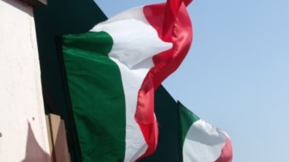 Italia strange buzunarele