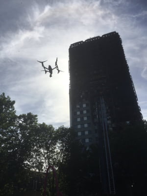 Izolatia folosita la blocul din Londra distrus de incendiu este interzisa in Marea Britanie