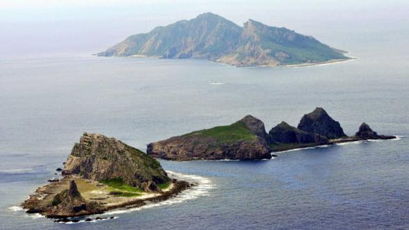 Japonia isi militarizeaza flancul dinspre China: 10.000 de soldati si baterii de artilerie