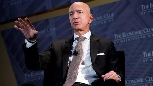 Jeff Bezos primul trilionar din istorie. Trei sfaturi de top pentru succes.