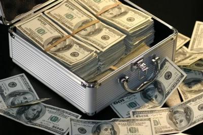 Pandemia e profitabila pentru miliardarii americani: Averile le-au crescut cu 560 de miliarde de dolari