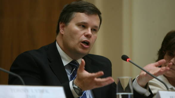 Jeffrey Franks: Parlamentul are un rol crucial in privinta politicilor economice ale Romaniei