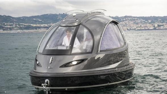 Jet Capsule, un mini-iaht cu veleitati de salupa-taxi de lux
