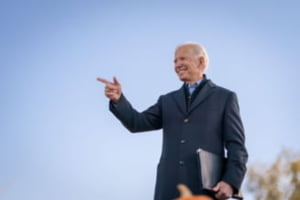 "Joe Biden vrea sa dubleze salariul minim in Statele Unite. ""In cea mai bogata tara din lume, cand muncesti 40 de ore pe saptamana nu ar trebui sa traiesti in saracie"""