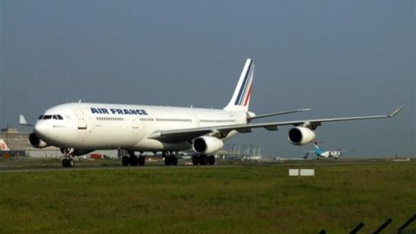 Jumatate din aeronavele Air France, blocate la sol din cauza grevei pilotilor