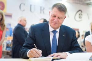 Klaus Iohannis a promulgat dublarea alocatiilor pentru copii (Video)