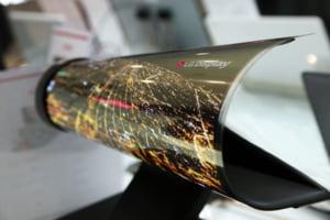 LG prezinta un ecran uluitor, care se ruleaza ca o foaie de hartie