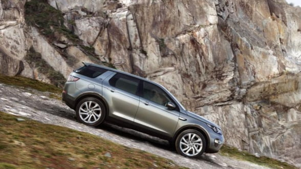 Land Rover va lansa noul model Discovery Sport in 2015 Foto
