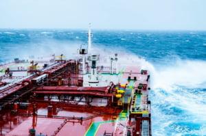 Legea off shore spune o poveste frumoasa, cu iz electoral, dar nu rezolva problema exploatarii gazelor din Marea Neagra