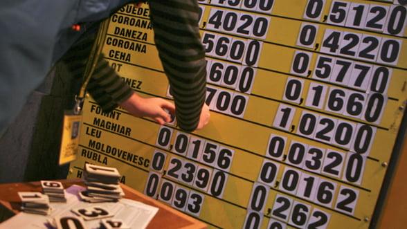 Leul pierde teren: BNR anunta un curs de 4,46 lei/euro