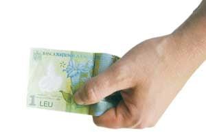 Leul se apreciaza timid, cu 0,4%, pana la 3,6050 lei/euro