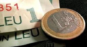 Leul se deprecieaza marti pana la un curs de 4,2843 lei/euro