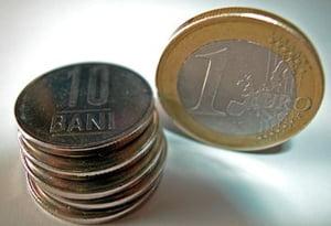 Leul stagneaza la nivelul din seara precedenta, de 4,30 lei/euro, pe o piata calma