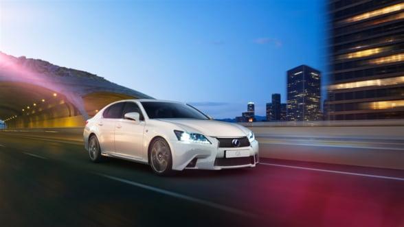 Lexus GS 300h Luxury: Indrazneste mai mult!