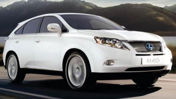 Lexus vrea inapoi in varf. Ofera reduceri de pret de 60% la SUV-uri in SUA