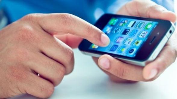 Liceenii si studentii romani, in topul detinatorilor de smartphone