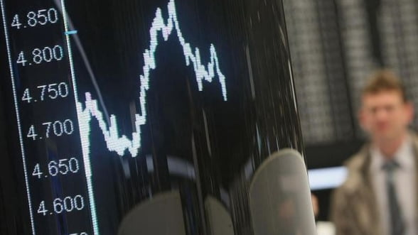 Lichiditate redusa si fluctuatii usoare, luni, pe bursa romaneasca