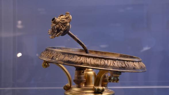 Licitatiile anului: Obiecte de pe Titanic si monede din vremea lui Tepes