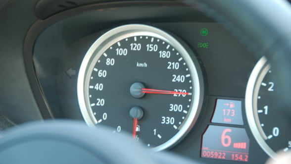 Limita de viteza in Paris ar putea scadea de la 50 la 30 km/ora