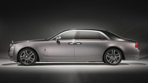 Limuzina visurilor tale este aici: Ghost Elegance, diamantul colectiei Rolls Royce