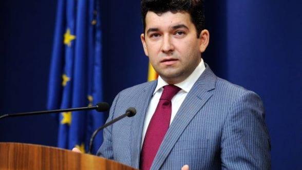 Liviu Voinea: Acciza la carburanti- o masura luata pentru a evita deflatia