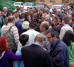 Liviu Voinea: Romanii sa nu ia credite in euro si sa nu-si puna in pericol locul de munca