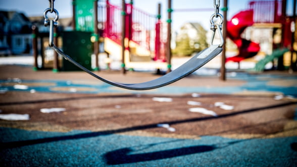 Locurile de joaca, un pericol pentru copii: ANPC a dat amenzi de 324.000 de lei pentru nereguli grave