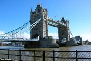 Londra ar putea urma exemplul Italiei privind expulzarea romanilor