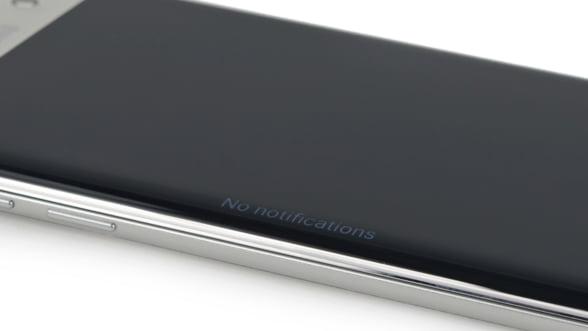 Lovitura pentru Samsung: Nu chiar orice Galaxy S7 rezista la apa (Video)