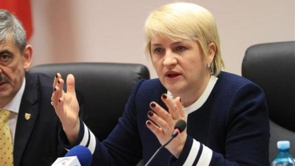 Lucia Varga: Romsilva sa asigure paza padurilor private