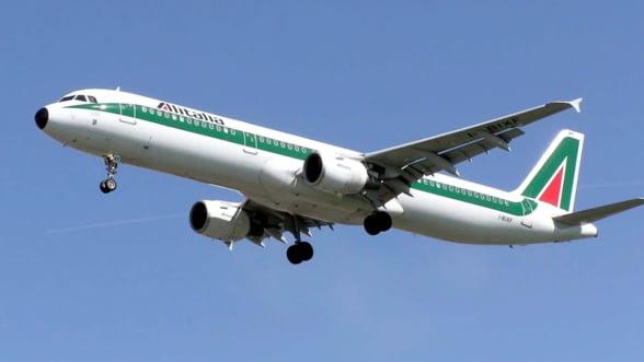 Lufthansa ar putea prelua compania aeriana Alitalia pentru 500 de milioane de euro, dar ameninta cu disponibilizari