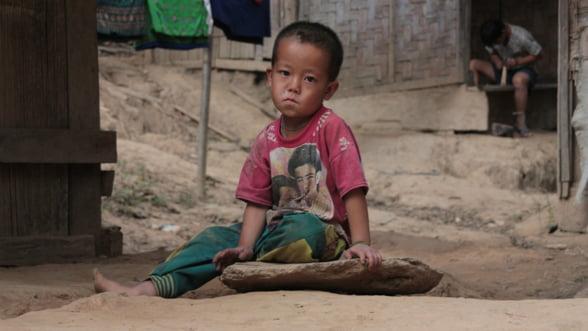 Lumea da tot mai putini bani pentru ajutoare umanitare