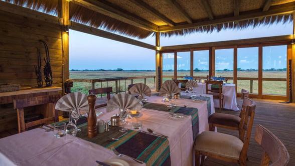 Lux in plina salbaticie africana: Incearca un safari de exceptie in Zambia!