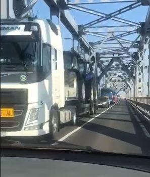 MAE: Aglomeratie la achitarea taxei de pod, la punctul de frontiera Ruse. Veniti cu bani pregatiti!