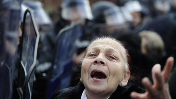 Macedonia: Incaierari si raniti cu ocazia votarii bugetului