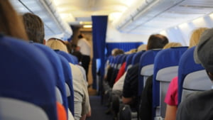 Mai ieftin cu avionul decat cu CFR. Bilete si cu 50 de lei pe ruta aeriana Iasi - Bucuresti, aproape dublu cu trenul