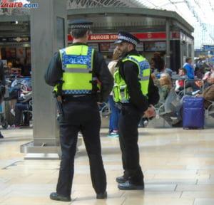 Mai multi oameni au fost luati ostatici intr-un mall din Marea Britanie