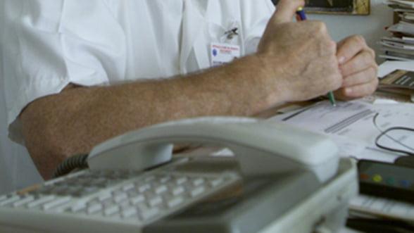 Manageri de spitale schimbati din functie dupa ce unitatile pe care le conduc au inregistrat datorii