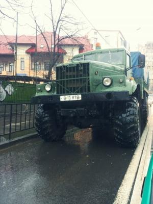 Mandria industriei sovietice: camioanele de legenda din Bucuresti