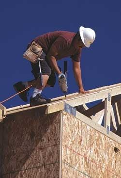 Manopera in constructii s-a ieftinit cu 5%