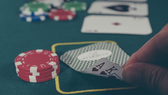 Marea Britanie interzice utilizarea cardurilor de credit pentru jocuri de noroc