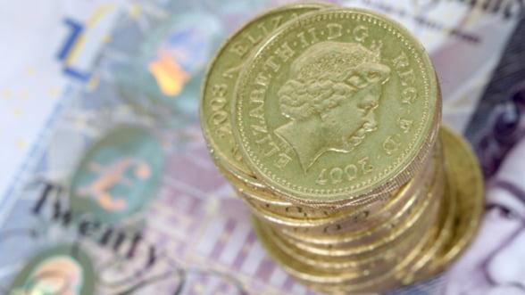 Marea Britanie risca sa intre in cea de-a treia recesiune de dupa 2008